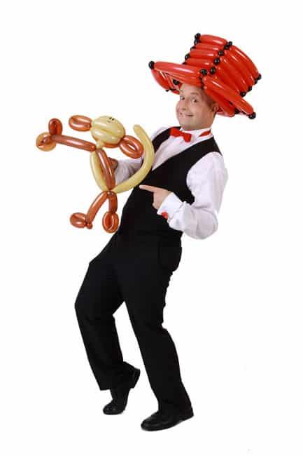 Unterhaltung für Hochzeitsfest und Hochzeitsfeier mit dem Ballonkünstler