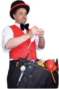 ballonkuenstler stuttgart 3 200x300 - Zauberer in Stuttgart